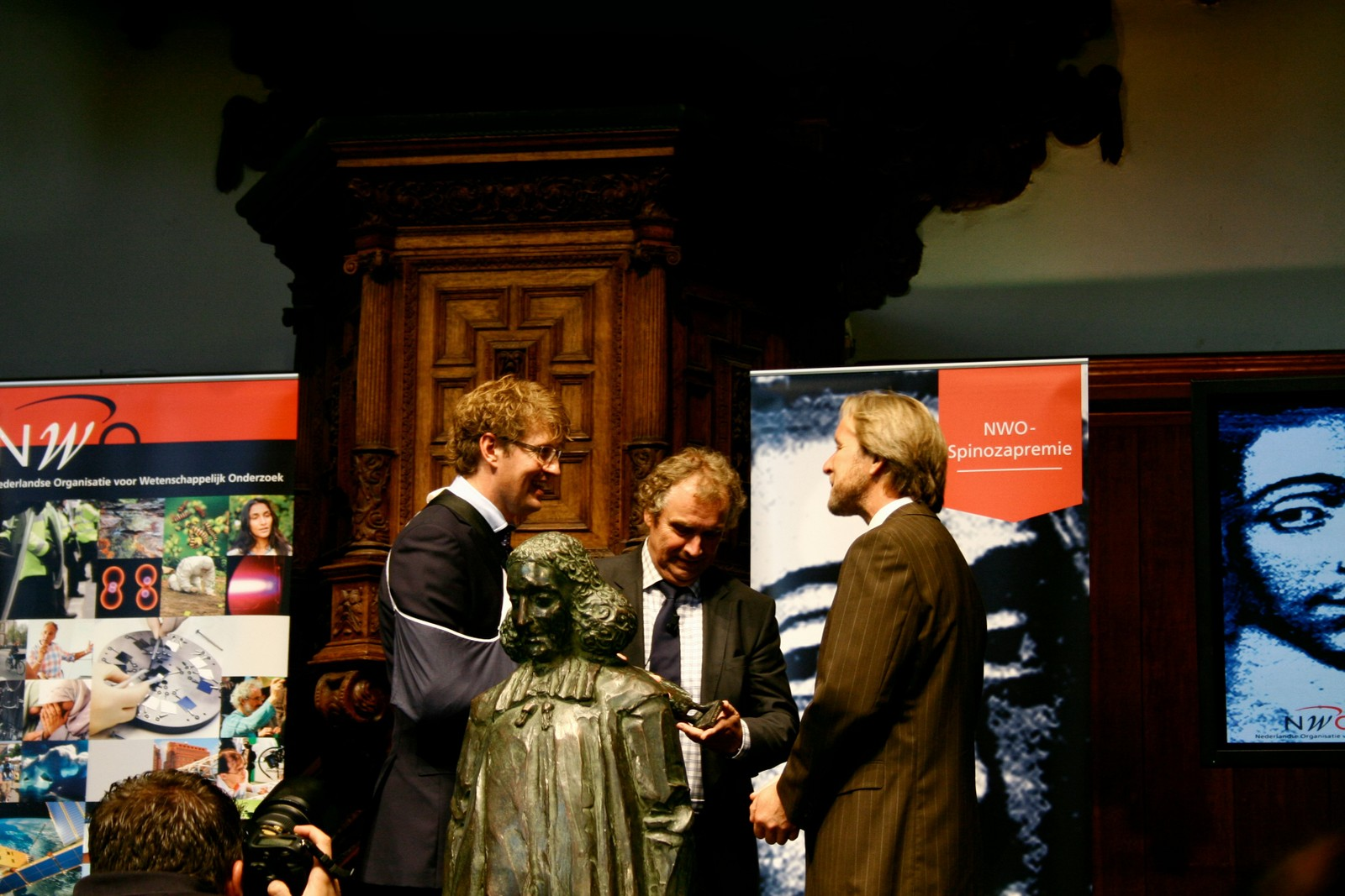 NWO Chair Jos Engelen, State Secretary for Education, Culture and Science Sander Dekker and Piek Vossen